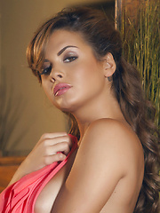 Keisha Grey rubs her pulsing clit until she's satisfied