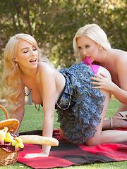 November treat Penelope Lynn gets her juicy pussy eaten by Samantha Rone