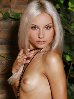 hot babe fuck Adelia A