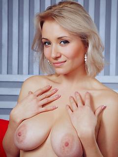 hot babe fuck Isabella D